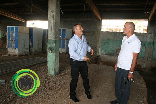 Με τον πρόεδρο της ΕΓΟ κ. Θανάση Βασιλειάδη όταν το γυμναστήριο βρισκόταν σε φάση εργασιών μετασκευής